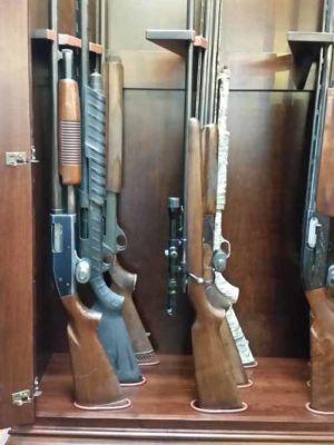 Hodge-Amish-Gun-Cabinet-162517