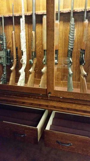 felt lined pistol display inserts