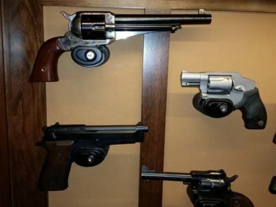 Hulbert-wall-pistol-20151229 134106
