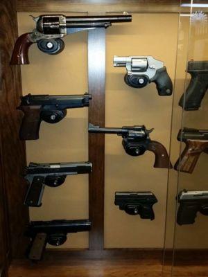 Hulbert-wall-pistol-20151229 134131
