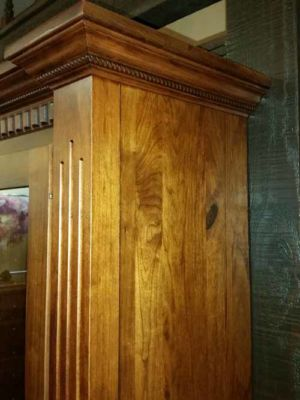 Satterfield-12-gun-bookcase-wall-fluted Mission Posts W Wide Rope Crown