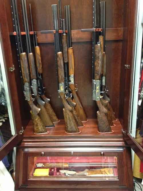 ... cabinet. sstaggered long gun display - Custom Gun Cabinets - Amish Custom Gun Cabinets