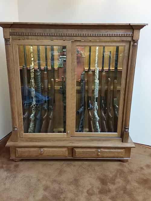 Amish custom crafted combo low profile 16 gun cabinet - Custom display cabinets ...