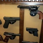 locking pistol display mounts
