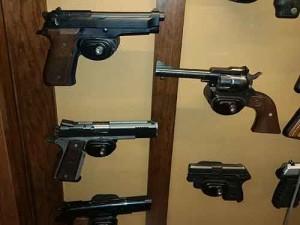 Ciesla-Amish-Pistol-Display-Cabinet-030